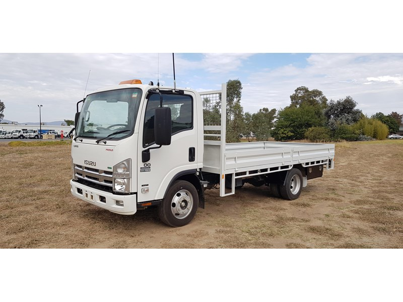 isuzu npr300 medium premium 569213 007