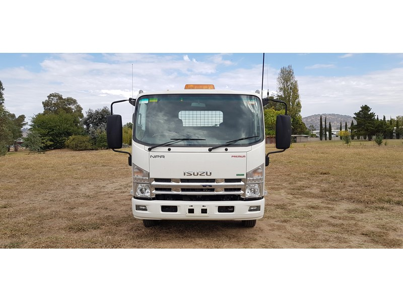 isuzu npr300 medium premium 569213 008