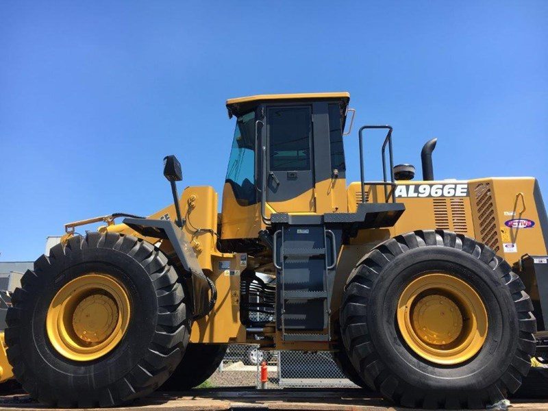active machinery al966e 23t 'cat engine, 4sp transmission, attachments, 3 yr warranty 588713 007