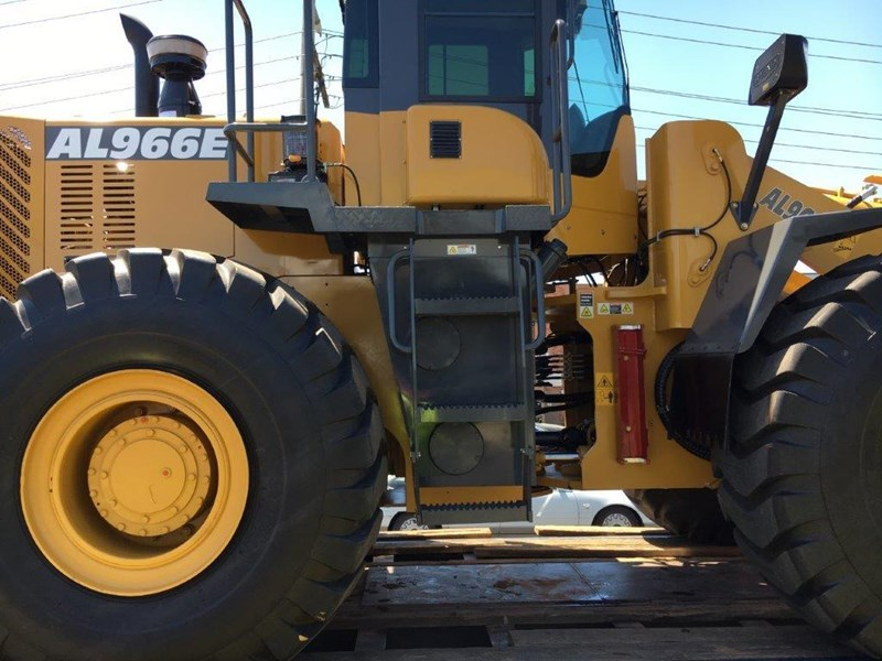 active machinery al966e 23t 'cat engine, 4sp transmission, attachments, 3 yr warranty 588713 012