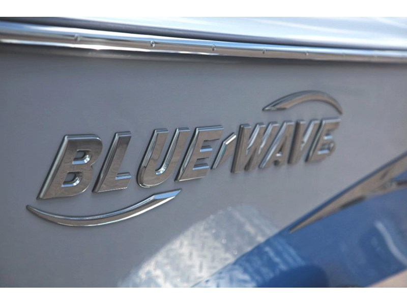 blue wave 2000 pure bay centre console 547574 012