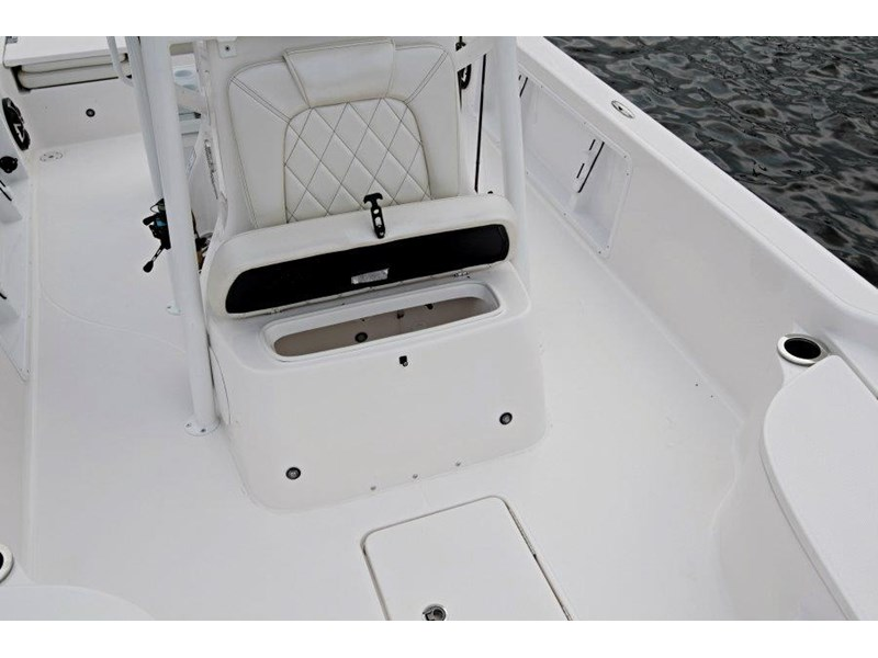 blue wave 2400 pure bay centre console 592339 023