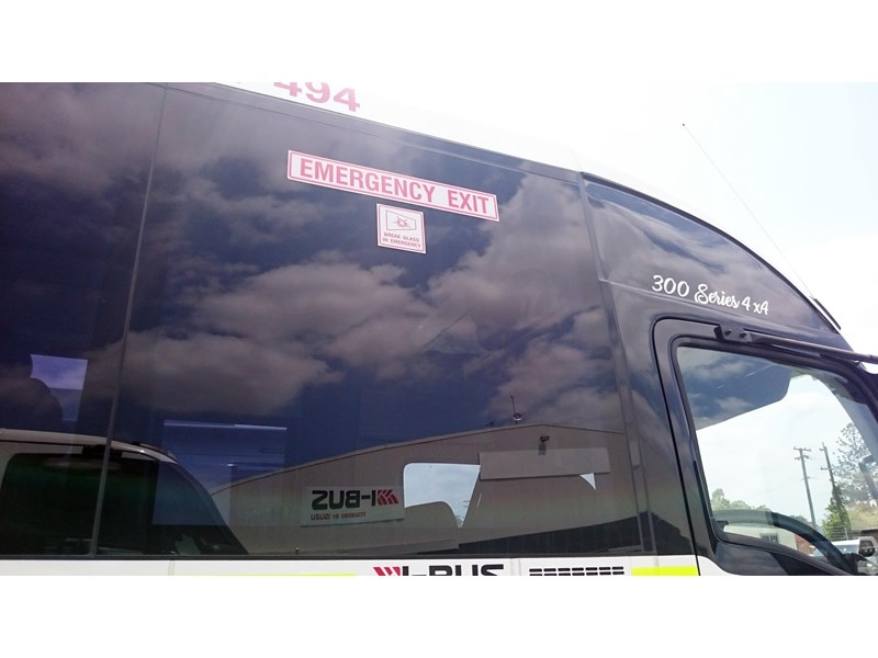 i-bus isuzu nps 300 592517 011