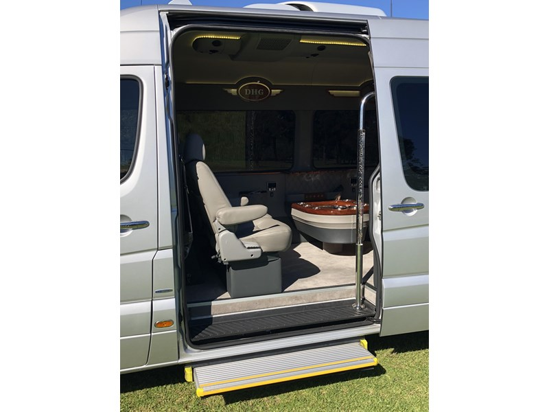 mercedes-benz sprinter 593767 003