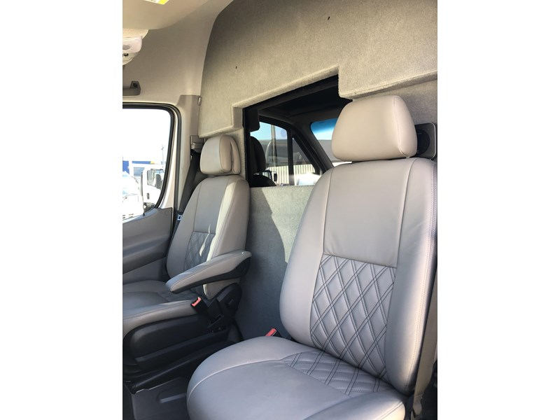 mercedes-benz sprinter 593767 018