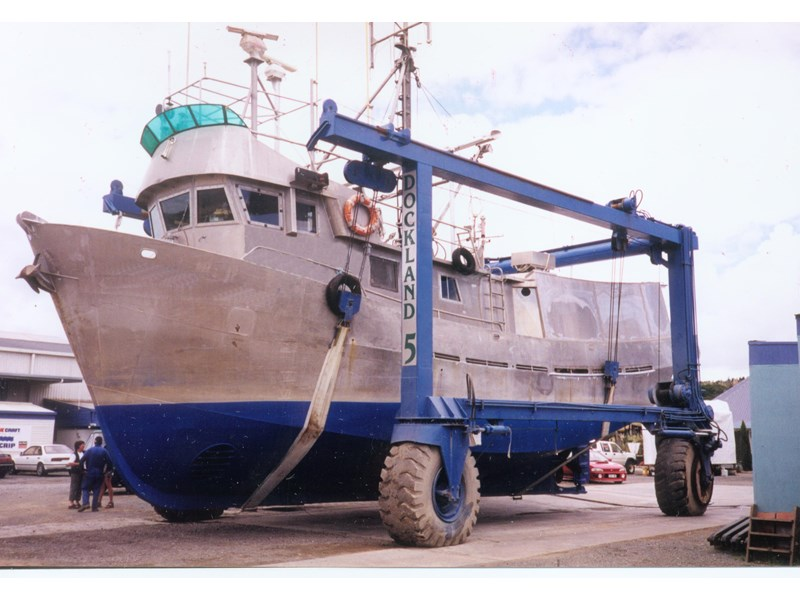 other long liner & troller tuna commercial fishing 594741 003