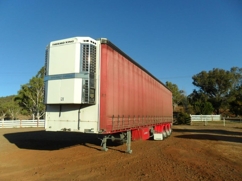 maxitrans 22 pallet refrigerated curtainsider 601019 008