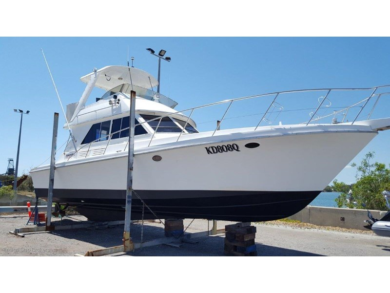 sovereign 4000 flybridge cruiser 602084 004