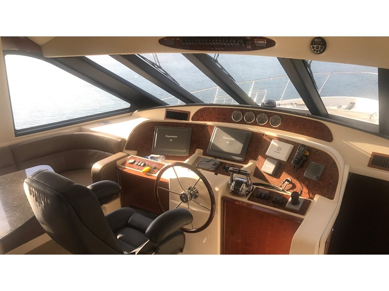 meridian 580 pilothouse 512386 012