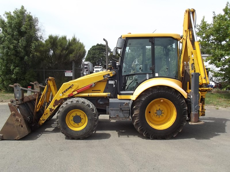 fermec 860 for sale rh tradefarmmachinery com au Fermec Backhoe Fermec Backhoe