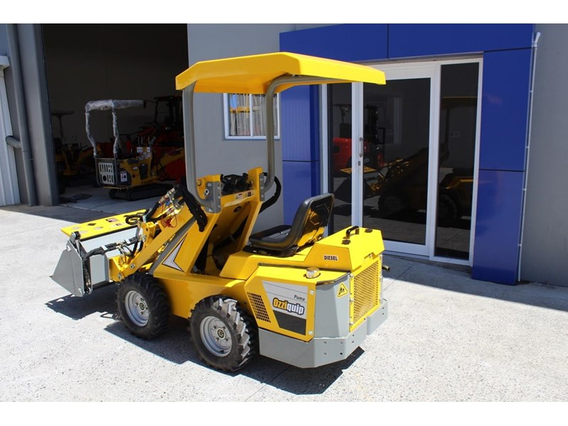 ozziquip puma 21hp diesel water cooled 4 in 1 bucket italian casappa hydraulic pumps 607195 004