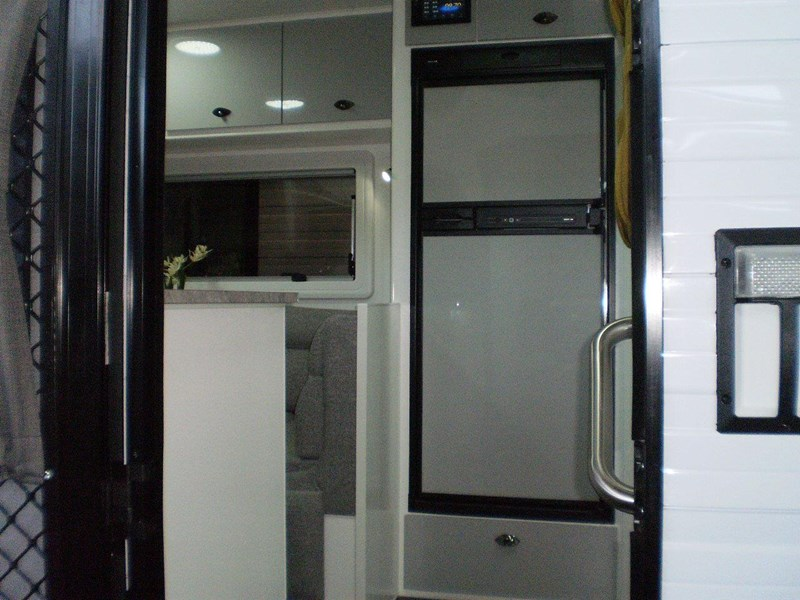 "colorado caravans 21'6"" summit ii  ensuite 353210 007"