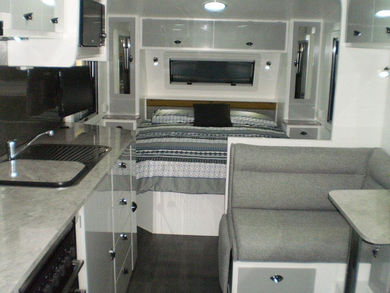 "colorado caravans 21'6"" summit ii  ensuite 353210 010"