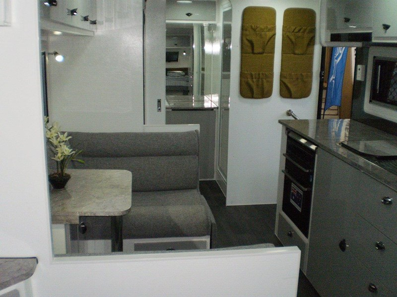 "colorado caravans 21'6"" summit ii  ensuite 353210 013"