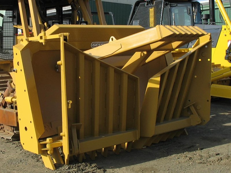 GESSNER 19' DRIVE-IN FOLDING STICK RAKE TO SUIT CAT D6 for sale