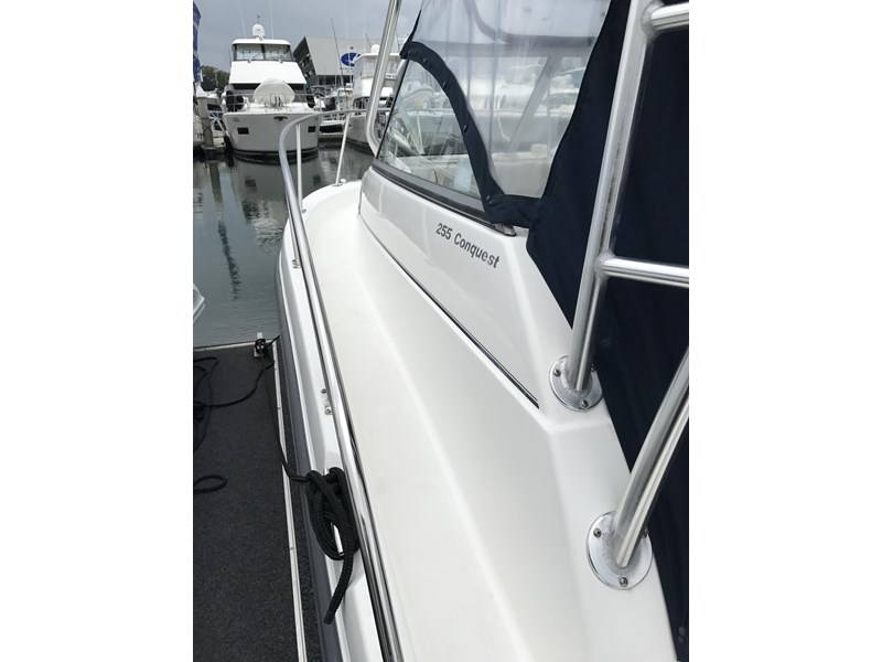 boston whaler 255 conquest 610753 004