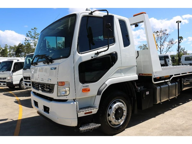 fuso fighter 609142 035