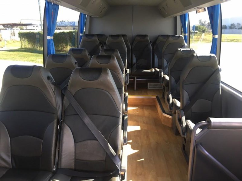 yutong 16 seat mini coach 619268 007