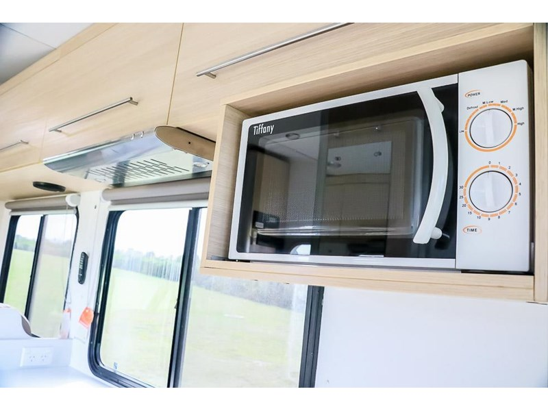 volkswagen crafter 4 berth platinum beach 562610 019