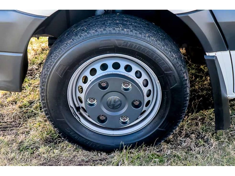 volkswagen crafter 4 berth platinum beach 562610 037