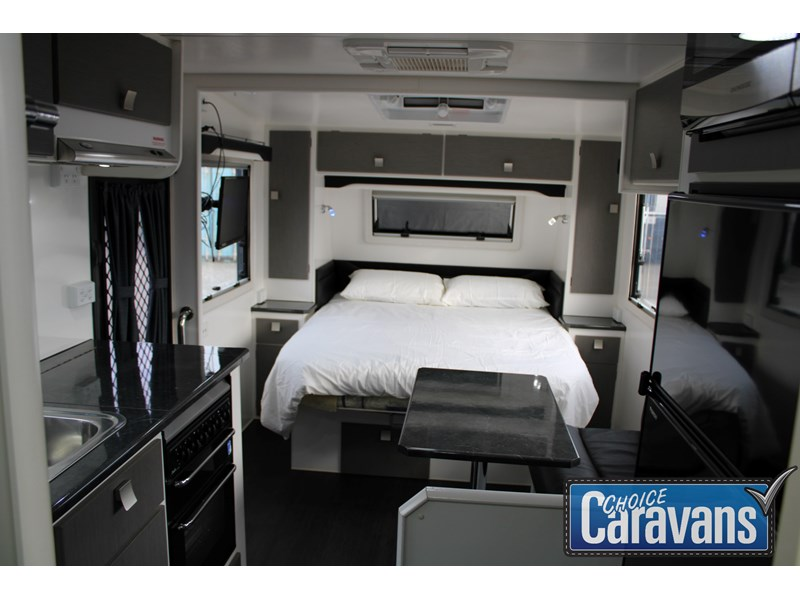 retreat caravans montague - fraser 180c 625446 012