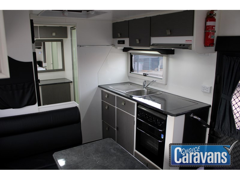 retreat caravans montague - fraser 180c 625446 014