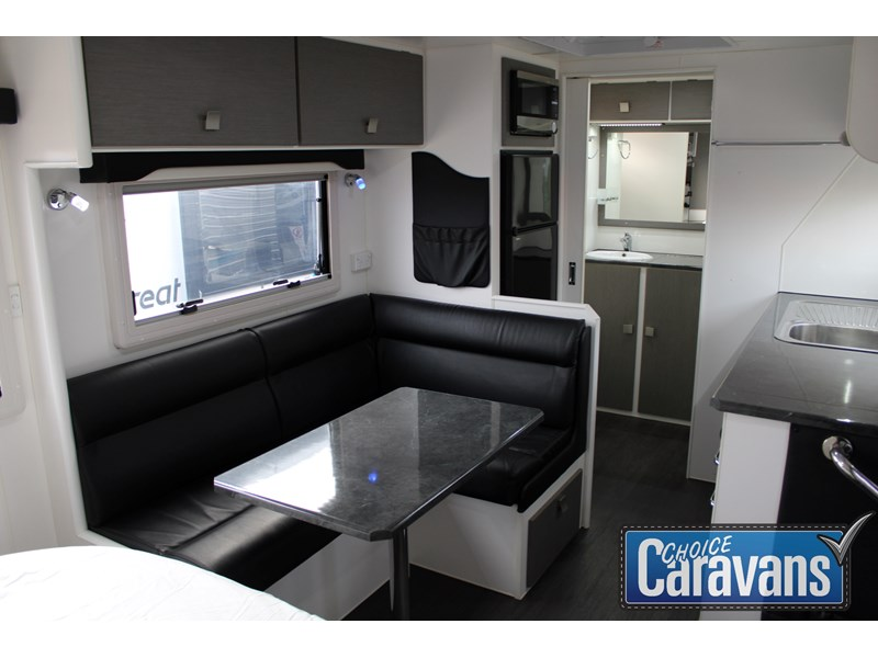 retreat caravans montague - fraser 180c 625446 019
