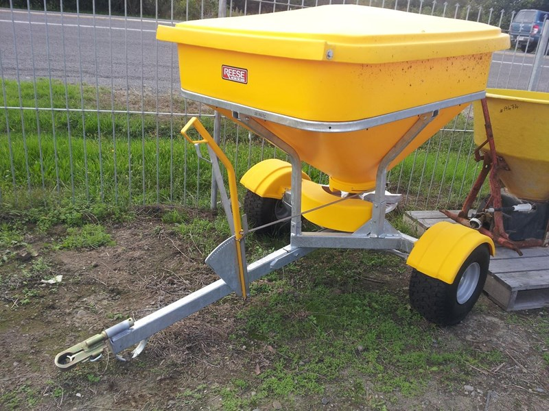 agrispread atv spreader 660 627168 001