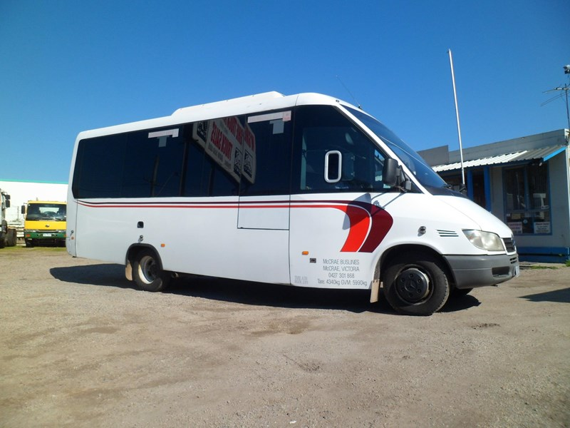 mercedes-benz sprinter 627589 001