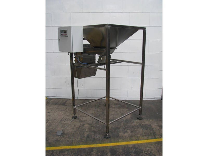 stainless steel semi-automatic hopper weigher bagger 628697 001