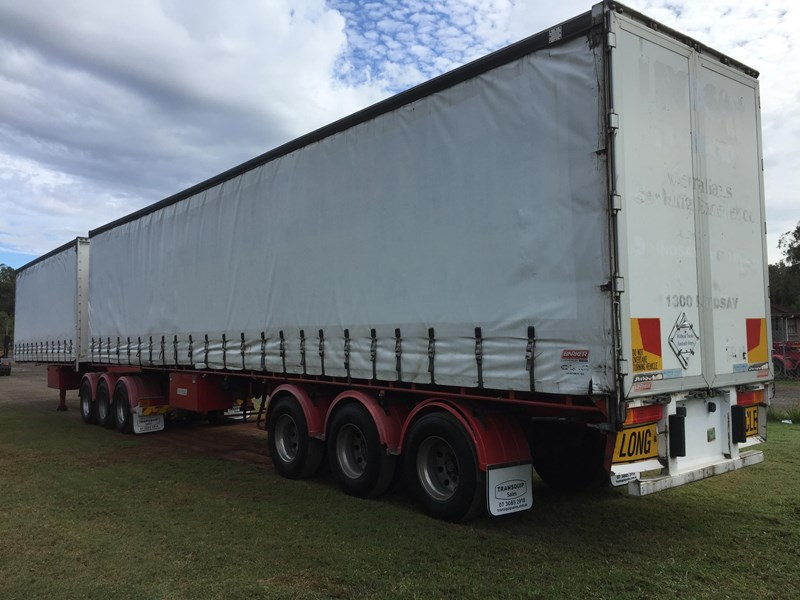 barker b-double refrigerated curtainsider 631086 004