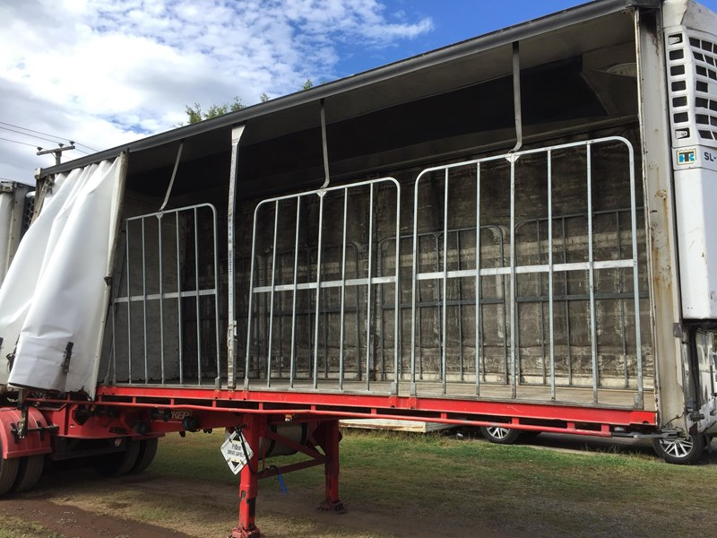 barker b-double refrigerated curtainsider 631086 019