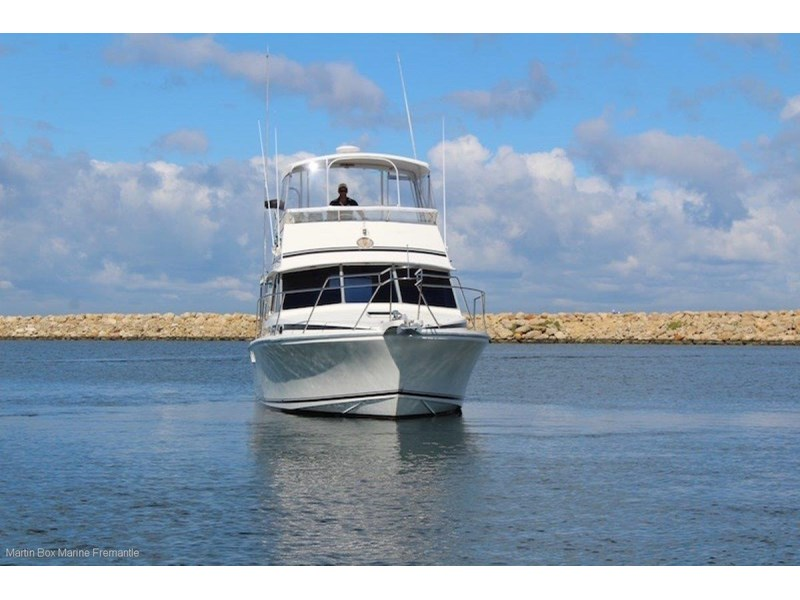 caribbean 35 flybridge cruiser 633415 005
