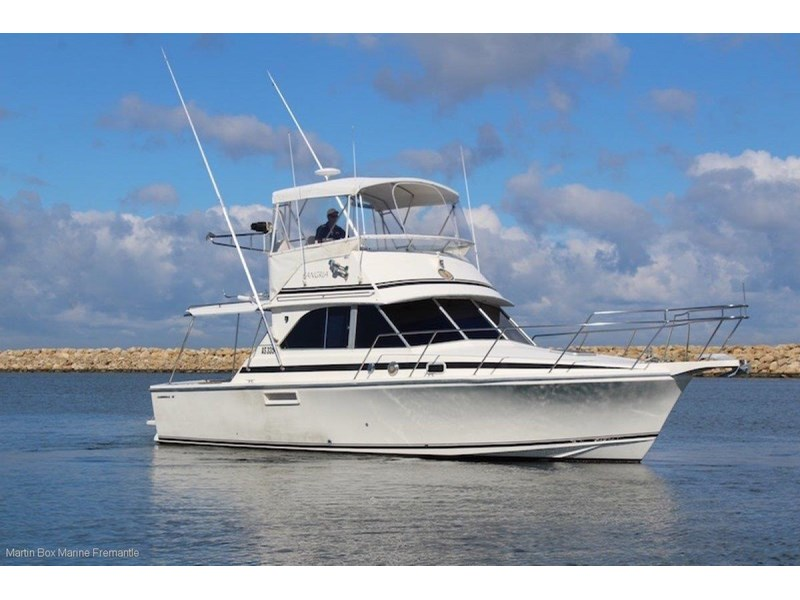 caribbean 35 flybridge cruiser 633415 006