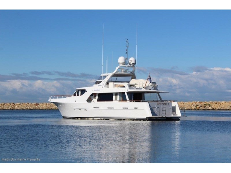mcmullen and wing expedition motor yacht 635407 011