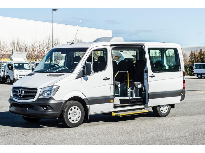 mercedes-benz sprinter 635522 002