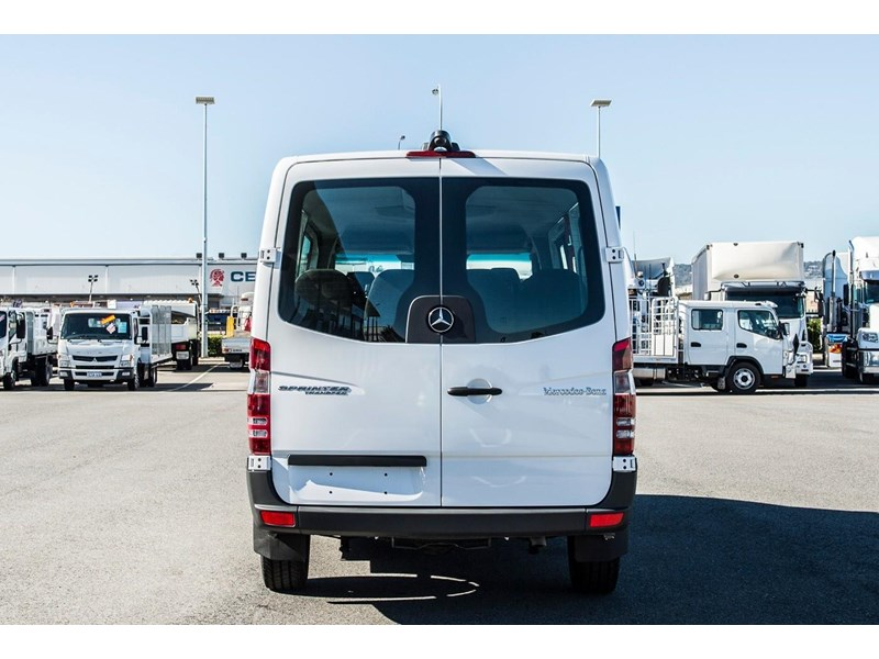 mercedes-benz sprinter 635522 012