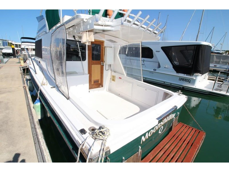 aquarius 35 flybridge cruiser 637122 003