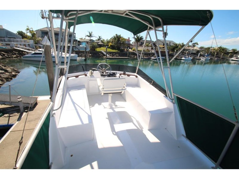 aquarius 35 flybridge cruiser 637122 025