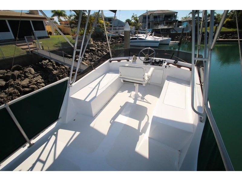 aquarius 35 flybridge cruiser 637122 026