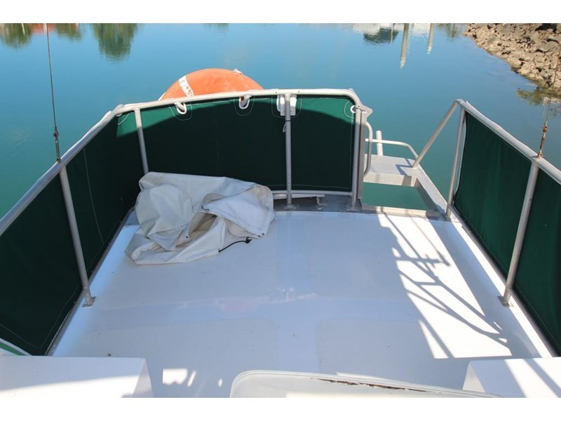 aquarius 35 flybridge cruiser 637122 029