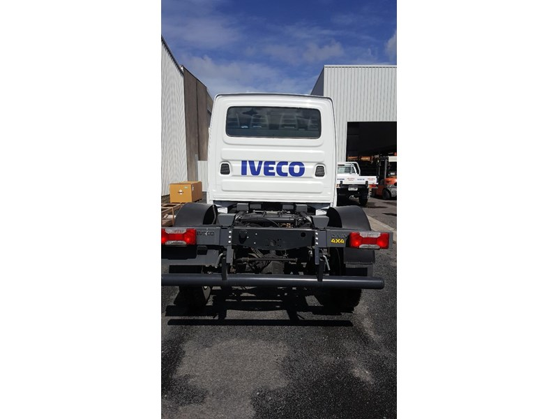 iveco daily 55s17w 638530 002