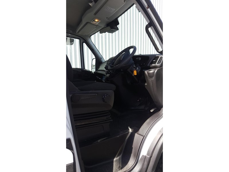 iveco daily 55s17w 638530 006