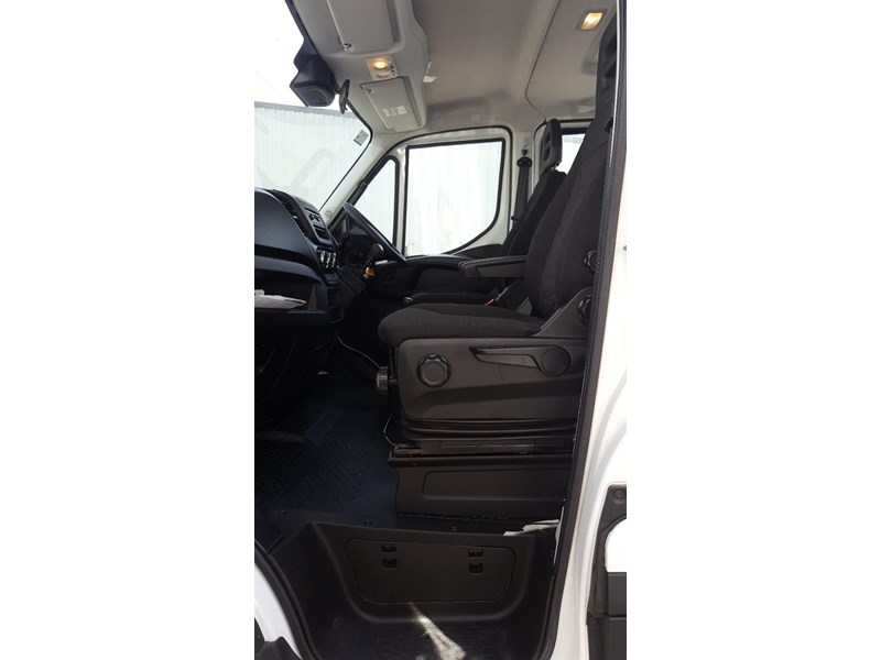 iveco daily 55s17w 638530 008