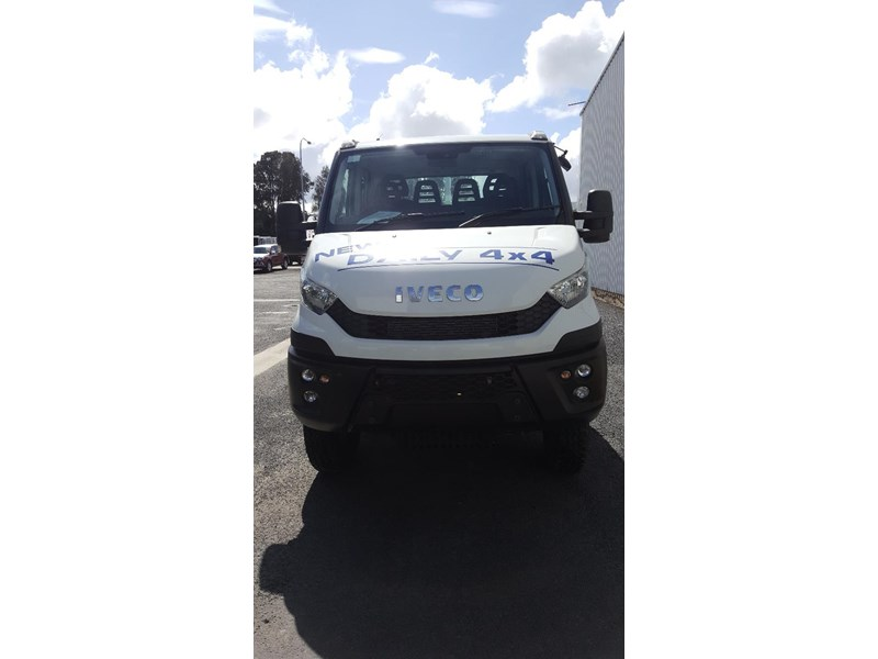 iveco daily 55s17w 638530 005