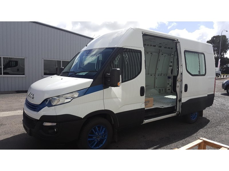 iveco daily 35s17a8 638454 004