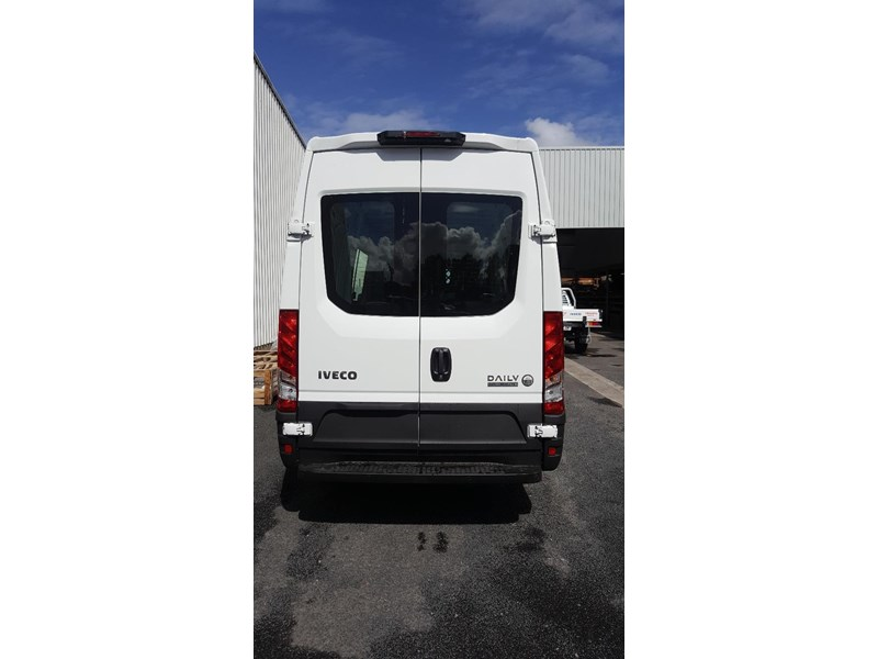 iveco daily 35s17a8 638454 006