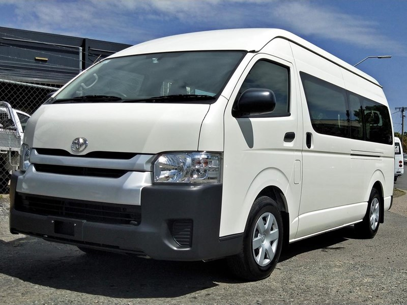 toyota hiace commuter bus 638907 002