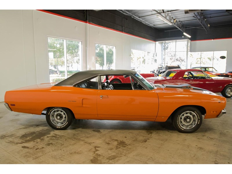 plymouth road runner 536401 007