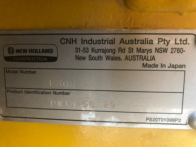 new holland e30b low 1243 hrs 639518 021